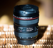Lens Canon 24-70mm F/4L (with macro feature)
